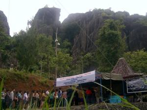 Wisata Alam Gunung Nglanggeran ( Gunung Berapi Purba )