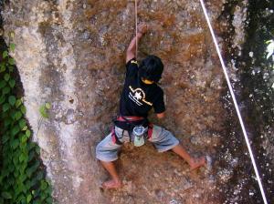 Pemanjat dari Karang Taruna BPM