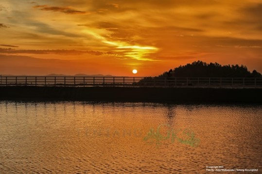 Sunset Embung Cuaca Cerah